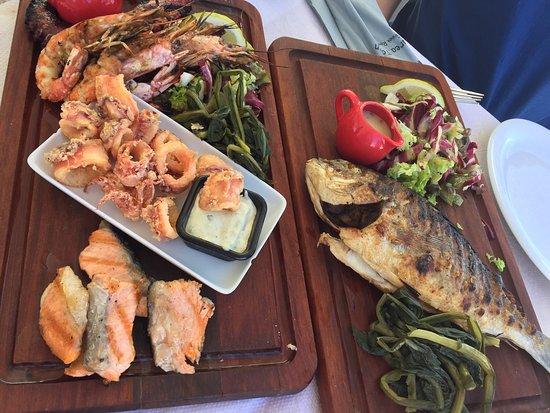 parea tavern amazing food service we had the sea food plate for 2