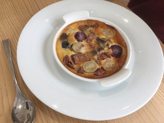 Eymet, ฝรั่งเศส: Fruit pudding