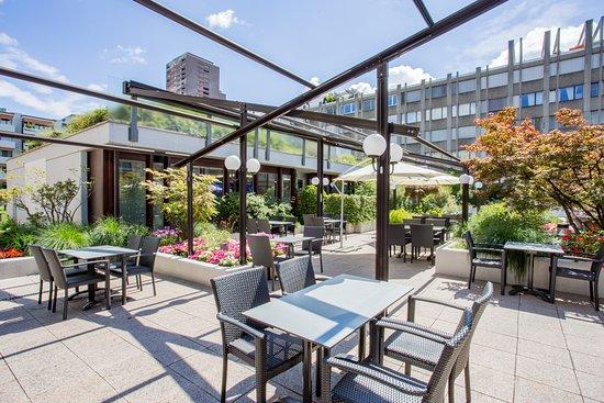 Crowne plaza z rich hotel schweiz omd men och for Herman s wohnzimmer 8004 zurich