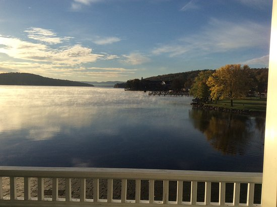 Bay Point at Mill Falls: Beautiful view to wake up to!