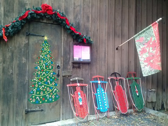 The Pink Sleigh Christmas Shop