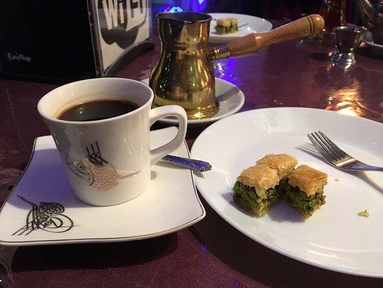 Arabesque hookah cafe restaurant winnipeg restaurant for Arabesque lebanon cuisine