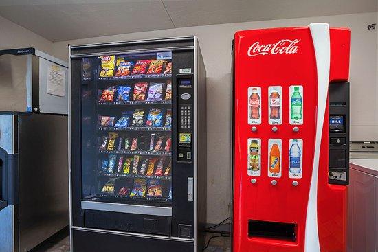 Motel 6 Bangor: Vending
