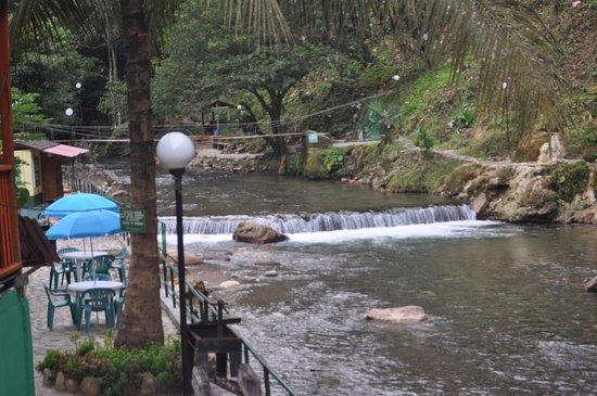Sonson, Colombia: Quebrada Espíritu Santo y Sendero para compartir