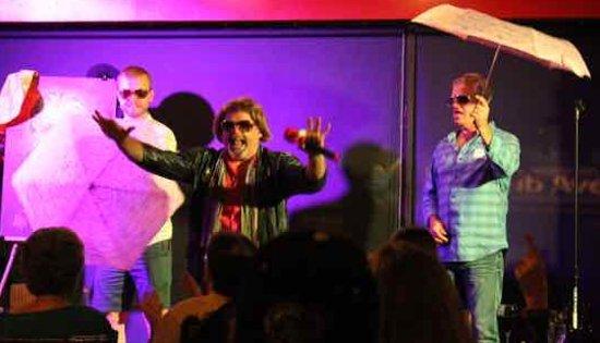Ottawa, Kanada: Angel and his boy band