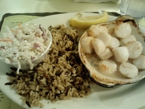 Westbrook, CT: Sea scallops, wild rice, homemade cole slaw.