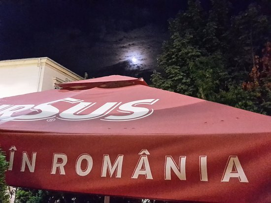 Le Boutique Hotel Moxa: Sat outside, having a drink watching the moon