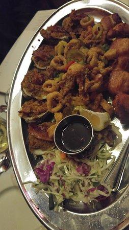 Hemenway's Seafood Grill & Oyster Bar: Appetizer platter