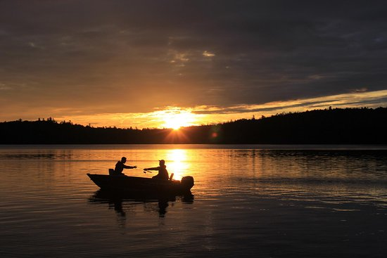 Beauchene wilderness lodge temiscaming canada 2016 for Canadian fishing trips cheap
