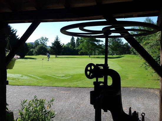 """Golf de la Forge: Excellent Pitch&putt composé de """"par 3"""" dont l'un ou l'autre : magnifique"""