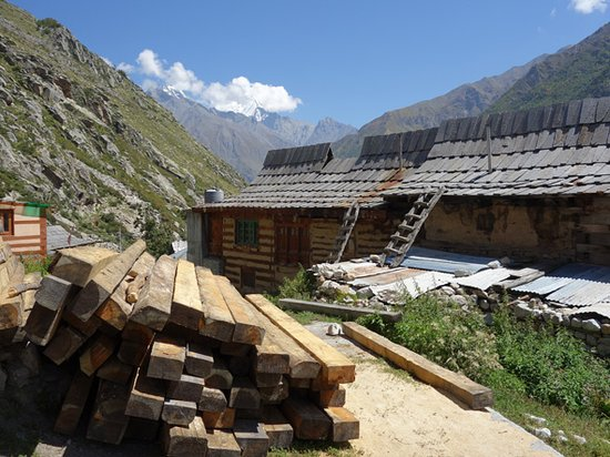Sangla, India: Steep pitched slate roofs to protect from snow load.