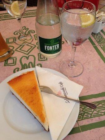 Schwarzwald Cafe: photo0.jpg