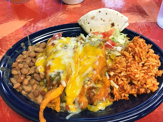 Edgewood, NM: chili rellenos