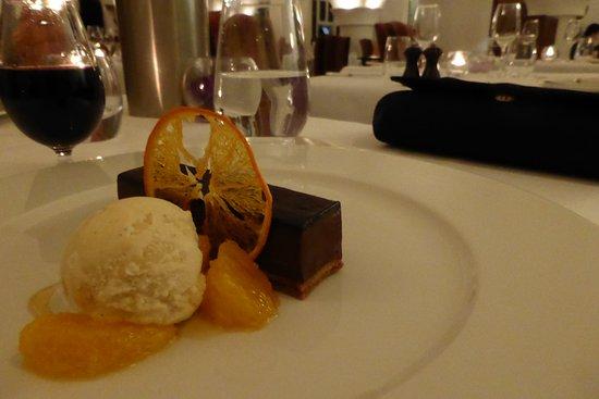 Cellar Restaurant: Brilliant chocolate parfait