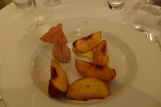 Cellar Restaurant: Roast peaches