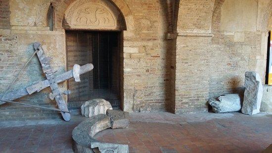 Atri, Italien: accesso alla cisterna