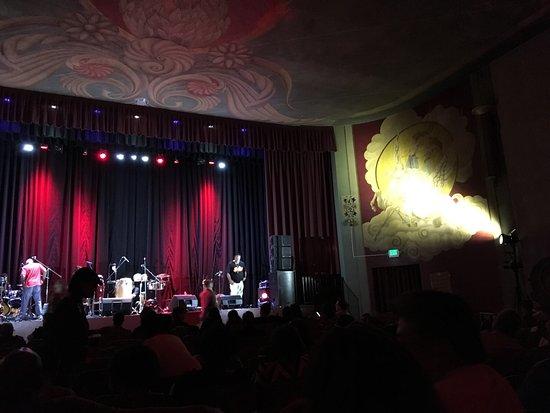 San Leandro, Kalifornien: The stage