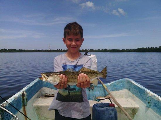 Chuburna, Meksika: Love it when the kids get hooked on fishing