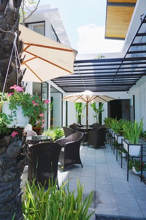 Salem Spa Garden: A place to love your self A: 528, 2/
