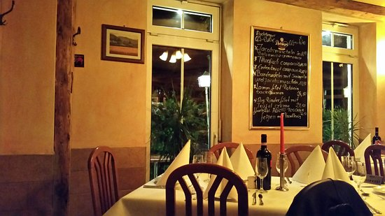 Restaurante Pizzeria Amarone: One of the inside shots from my cell phone