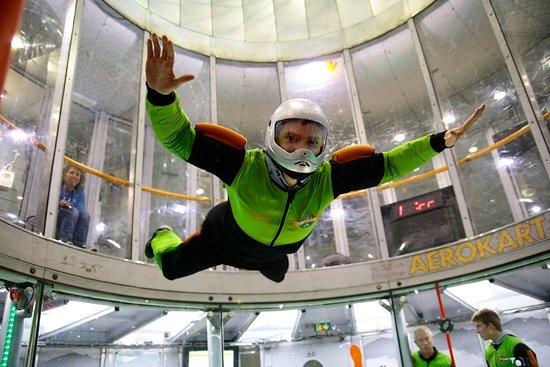 Argenteuil, France: Aerokart chute libre en soufflerie