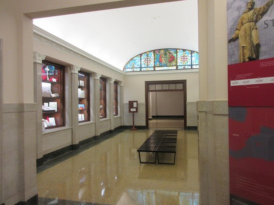 Franciscan Monastery : Inside the visitor entrance, plenty of things to read about Christianity