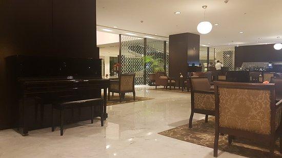 Flame Tree Lounge: 20161014_210621_large.jpg