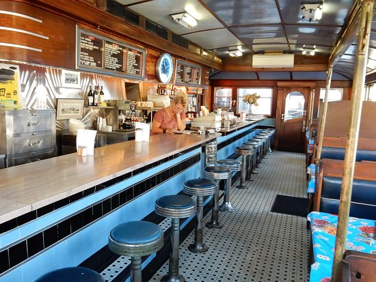 Gardiner, เมน: Jodi and Me and the classic diner make three.