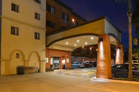 BEST WESTERN PLUS La Mesa San Diego: Exterior - Front Drive