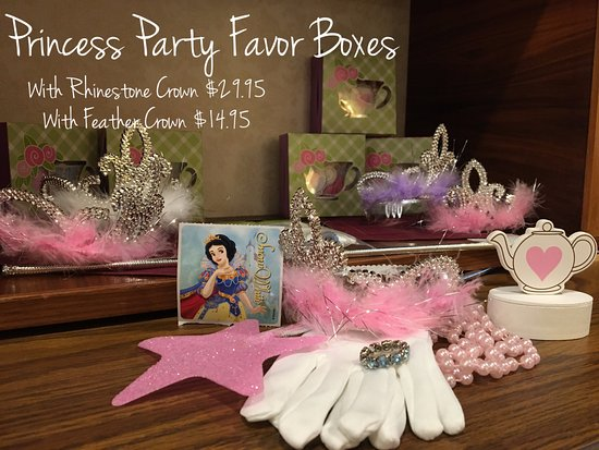 Wake Forest, Kuzey Carolina: Spoil your tea party guests with party favor boxes