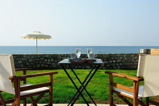 Alisahni Beachfront Villas