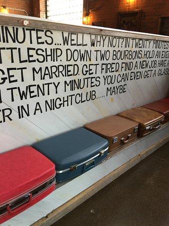 Peoria, IL: waiting area