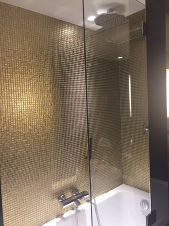 Love the rainfall shower head in the shower Fantastic room. Comfy ...