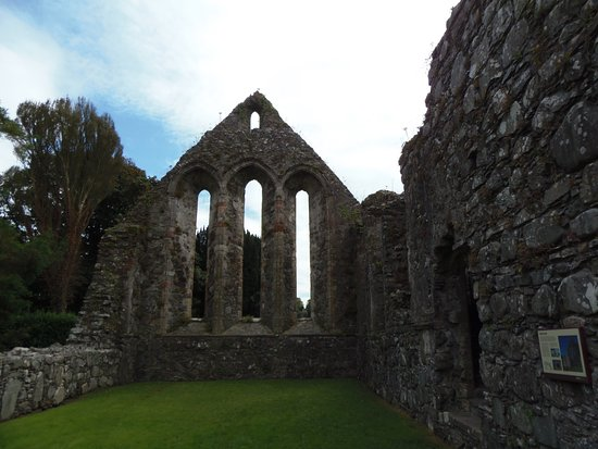 Portaferry, UK: Interior ruin of refrectory at Grey Abbey, Northern Ireland