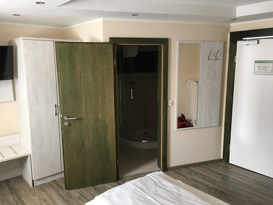 Schlehdorf, Niemcy: Sicht zum Badezimmer