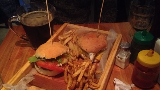 Lanus, Argentinië: Viri Burger
