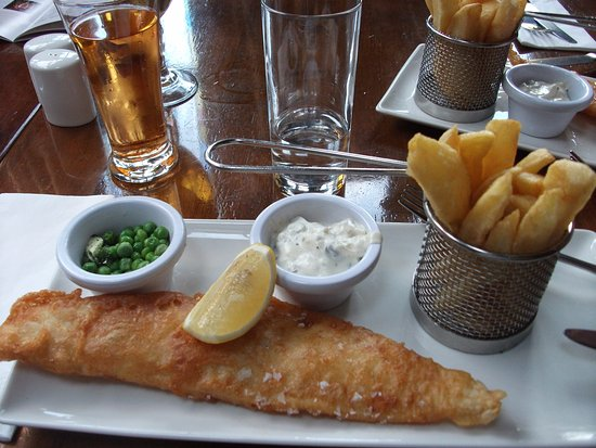Crawfordsburn, UK: Fish + chips