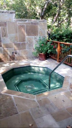 San Ysidro Ranch, a Ty Warner Property: hot tub