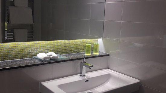 Sunninghill, UK: Bathroom