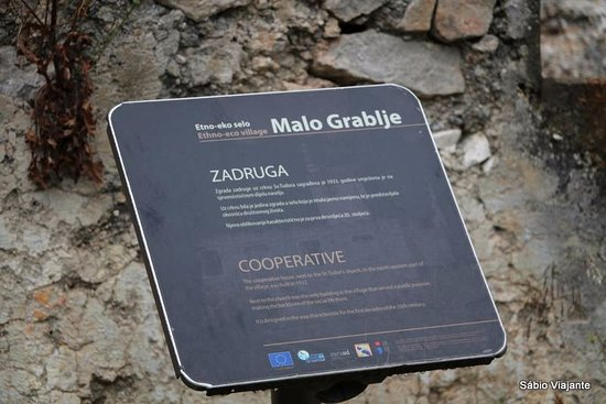 Hvar Island, Croatia: placa com indicações do uso da construção no passado