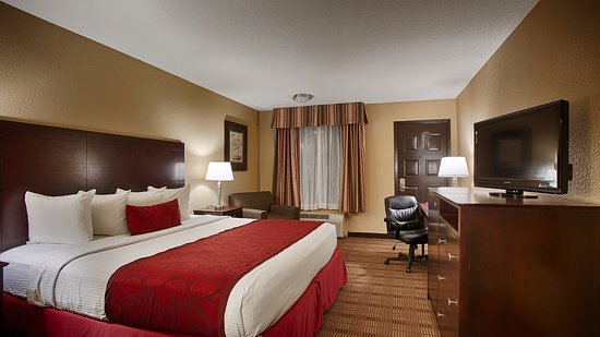 Pool - Picture of Best Western Of Alexandria Inn & Suites & Conference Center, Alexandria - Tripadvisor