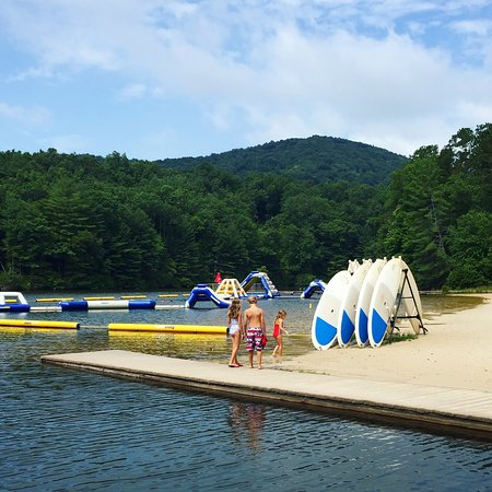 Big Canoe, GA: Swim club, can be hiked to from Petit Crest or a 2 minute car ride away