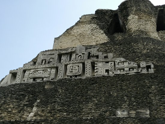 Cayo, Belize: Frieze on el castillo