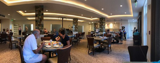 Hotel Parq Central: The breakfast room