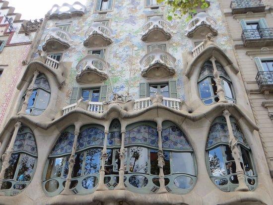 Barl una de las casas m s famosas de barcelona picture of free walking tours barcelona for Inmobiliarias barcelona