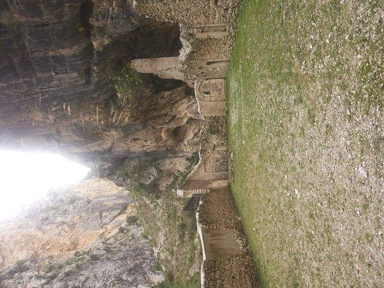 Fara San Martino, Italia: Gola e Monastero, un incanto