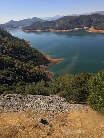 Lakehead, CA: Lake Shasta Caverns