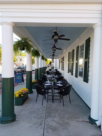 Princess Anne, MD: Sidewalk DIning