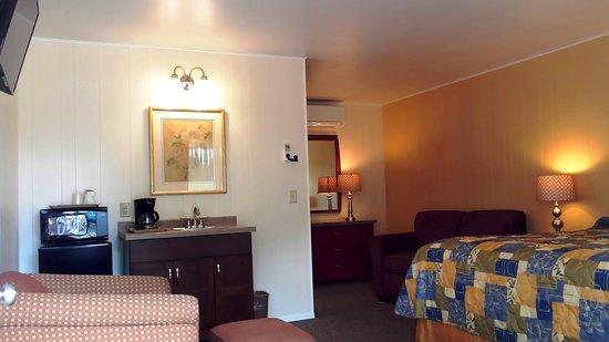 Montello, WI: King Suite
