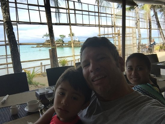 Willy's Beach Hotel: photo1.jpg